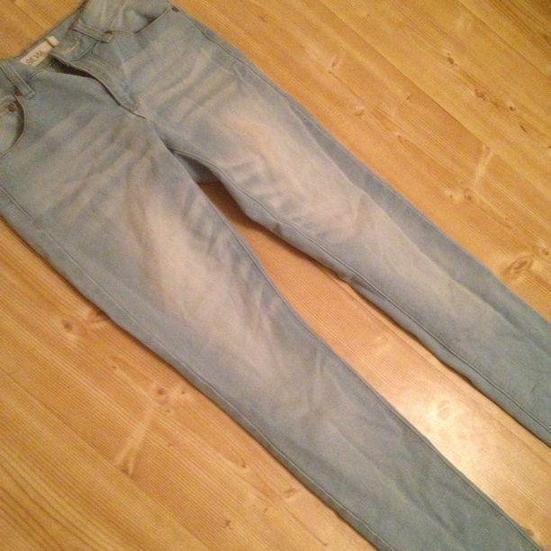 Ljusa jeans. Relativt hög midja - Övrigt - Second Hand e27cd4454faf7