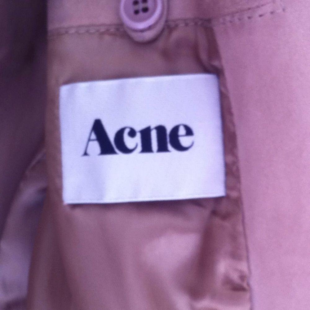 3aae33d407c Mockajacka från Acne Studios. Nypris ca 6000:-. Har några  förslitningsskador så som ...