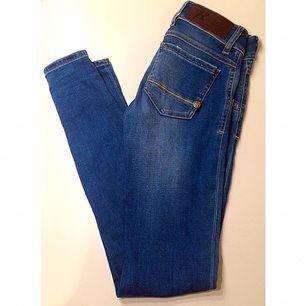 Oanvända jeans från RA-RE Blå Inga slitningar Pris kan diskuteras