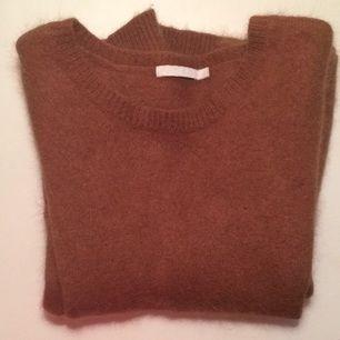 sweater från mtwtfss weekday mkt varm och skön att ha på vintern.