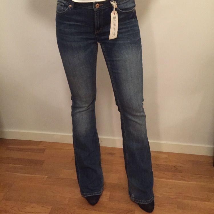 Bootcut jeans från Lindex. Aldrig använda. Nypris 399 kr. . Jeans   Byxor  ... a186c86dfe02a