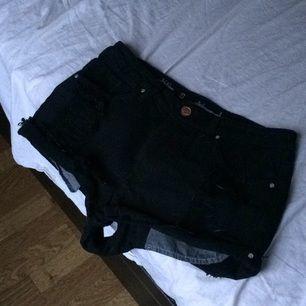 Snygga jeans shorts.