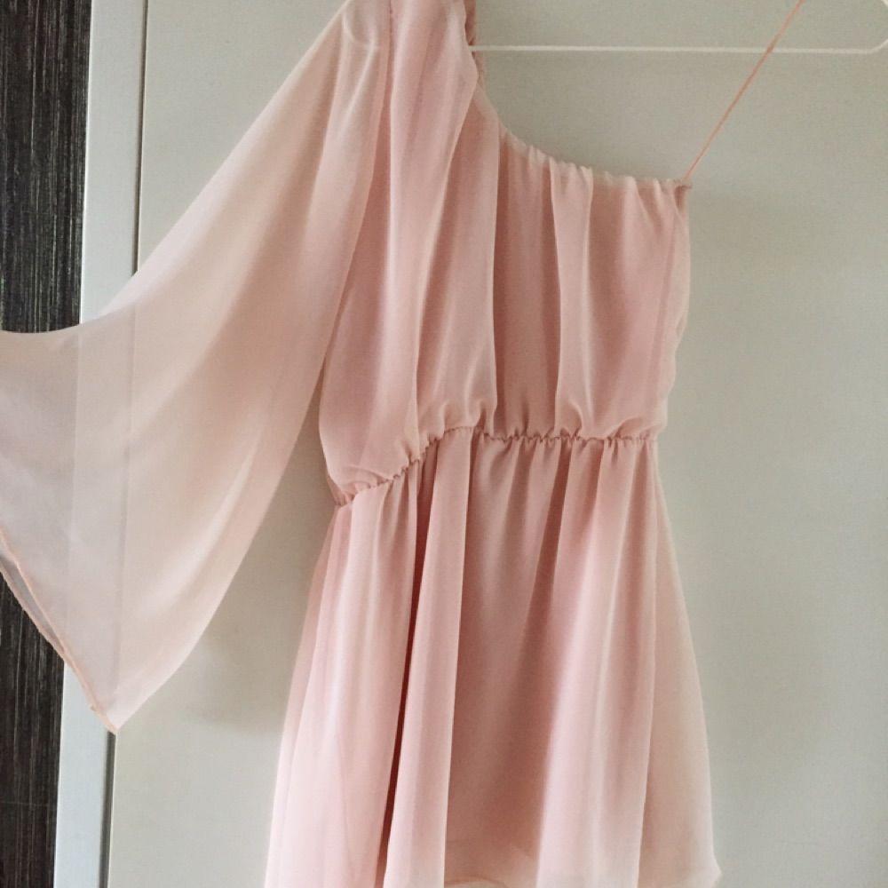 e134c51687b8 Puderrosa klänning i S. Säljes - Klänningar - Second Hand