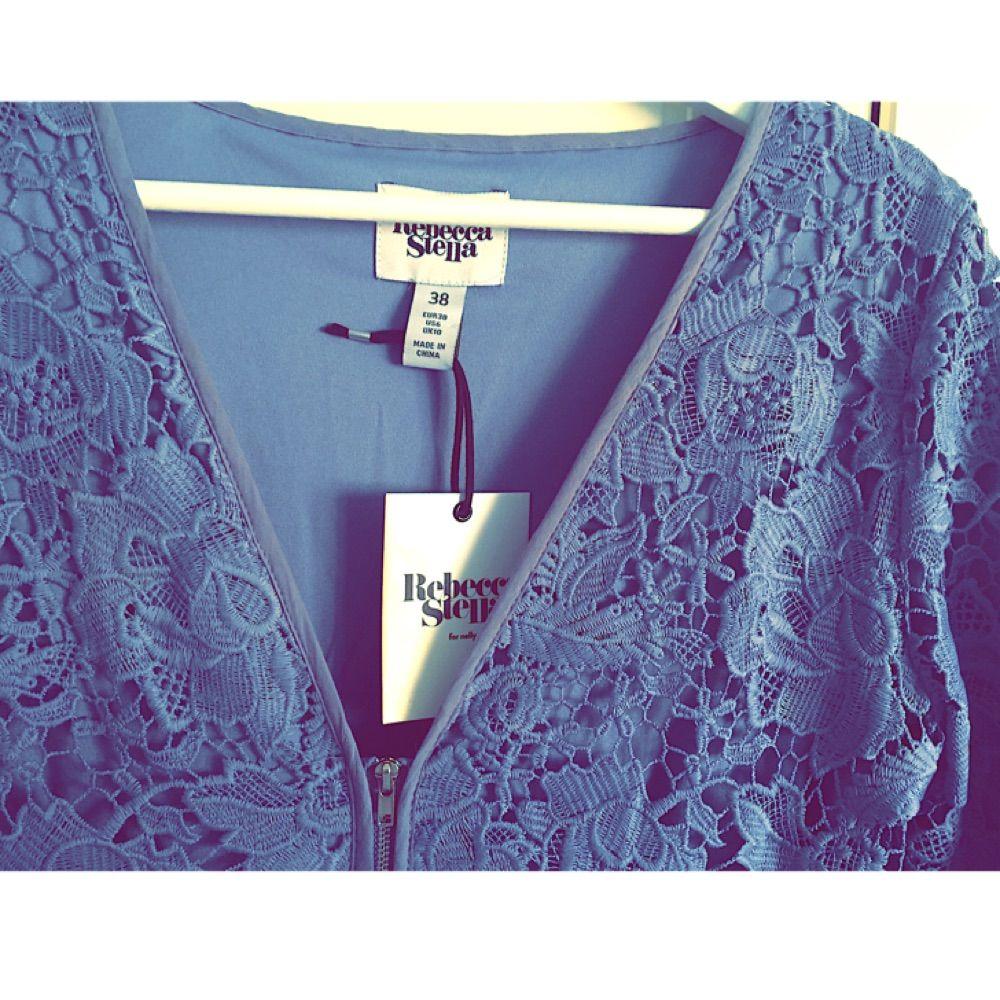 Ljusblå spetsklänning långklänning - Klänningar - Second Hand 88a9253b94ce6