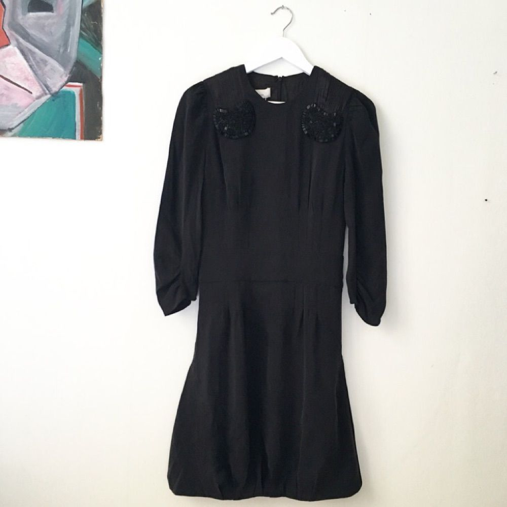 83ce199808cc Svart sidenklänning från Marlene Birger. Oanvänd! Etikett och prislapp kvar,  originalpris 2499 kr ...
