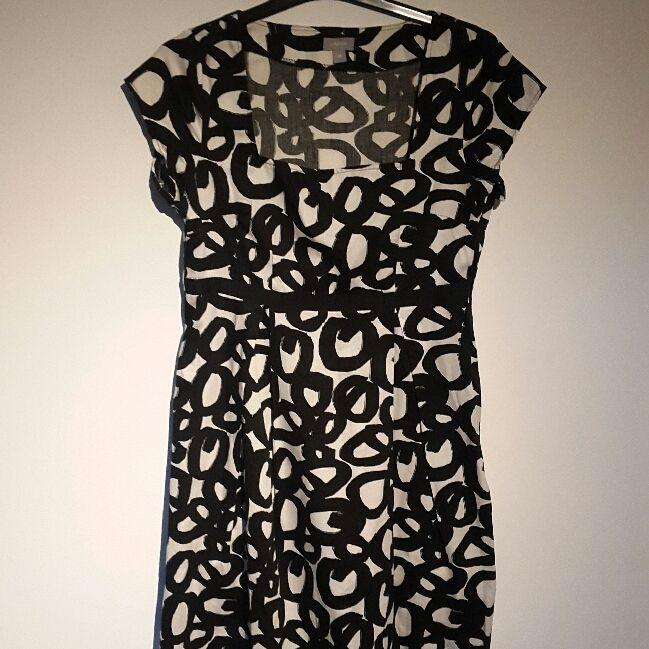 d361e71db09c svartvit klänning från lindexLindex Klänningar - Second Hand