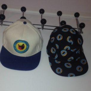 Äkta golfwang / odd future kepsar! Vänster är camp flognaw snapback, höger är en OF donut 5panel. 200 kr styck.