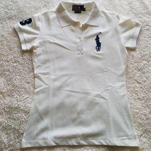 Polo Ralph Lauren - T-shirt i storlek M, nyskick och lappen är kvar!
