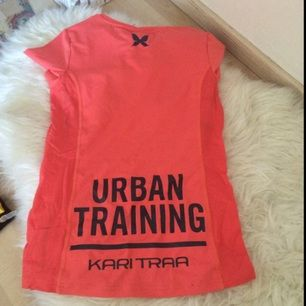 Kari traa sports tshirt