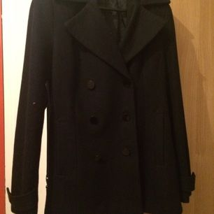 Gina Tricot black coat