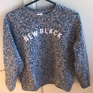 New Black tröja