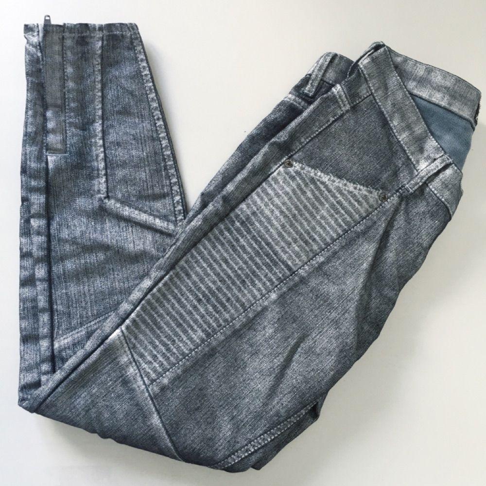 b5a4cfd15bb8 Silvriga jeans från MQ deras egna - Jeans & Byxor - Second Hand