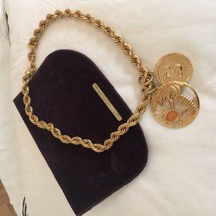 Guldpläterat halsband från Stella McCartney!