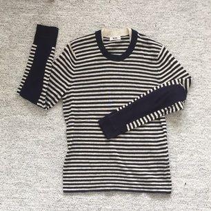 Stickad tröja från Acne (herr). Använd typ en gång!