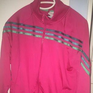 Adidas jacka i rosa
