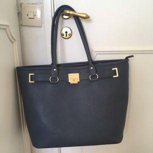 väska från don donna, köptes för 500 ishhhhh