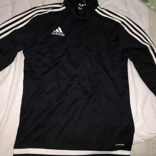 Adidas tröja