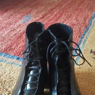 skor från Vagabond.