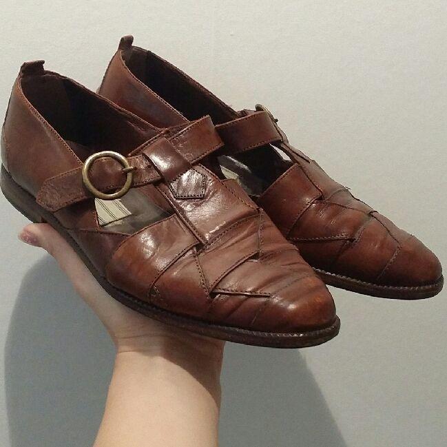 5202936489e Ett par handgjorda vintage skor ifrån Italien. I fint skick och väldigt  bekväma!