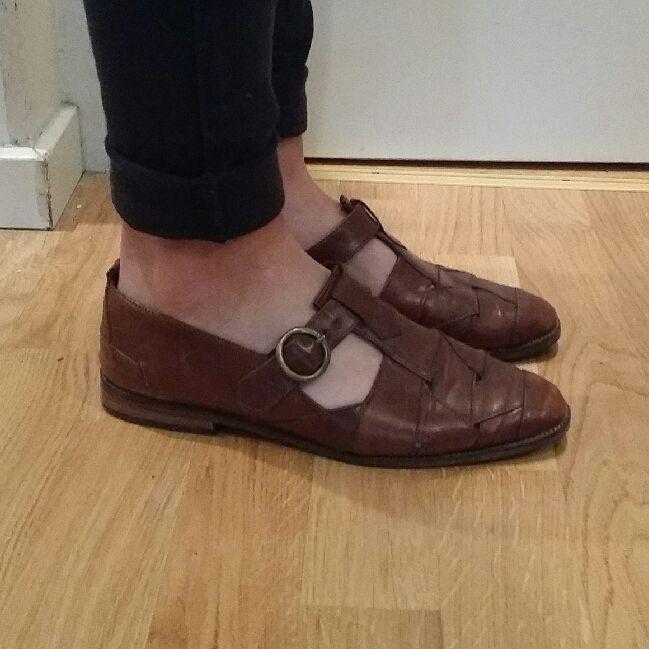 e34968423b8 Finns Ett par handgjorda vintage skor ifrån Italien. I fint skick och  väldigt bekväma!