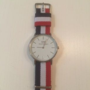 Säljer Daniel Wellington klocka ⌚️❤️💙