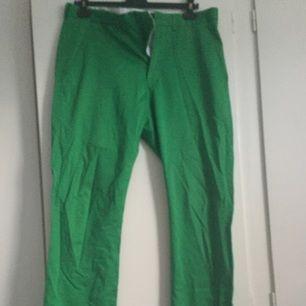 Gröna byxor från HM.