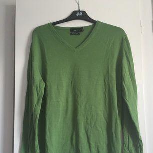 Grön stickad tröja från HM.