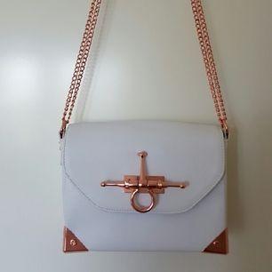 Väska i nyskick. Angelica Blick/BikBok