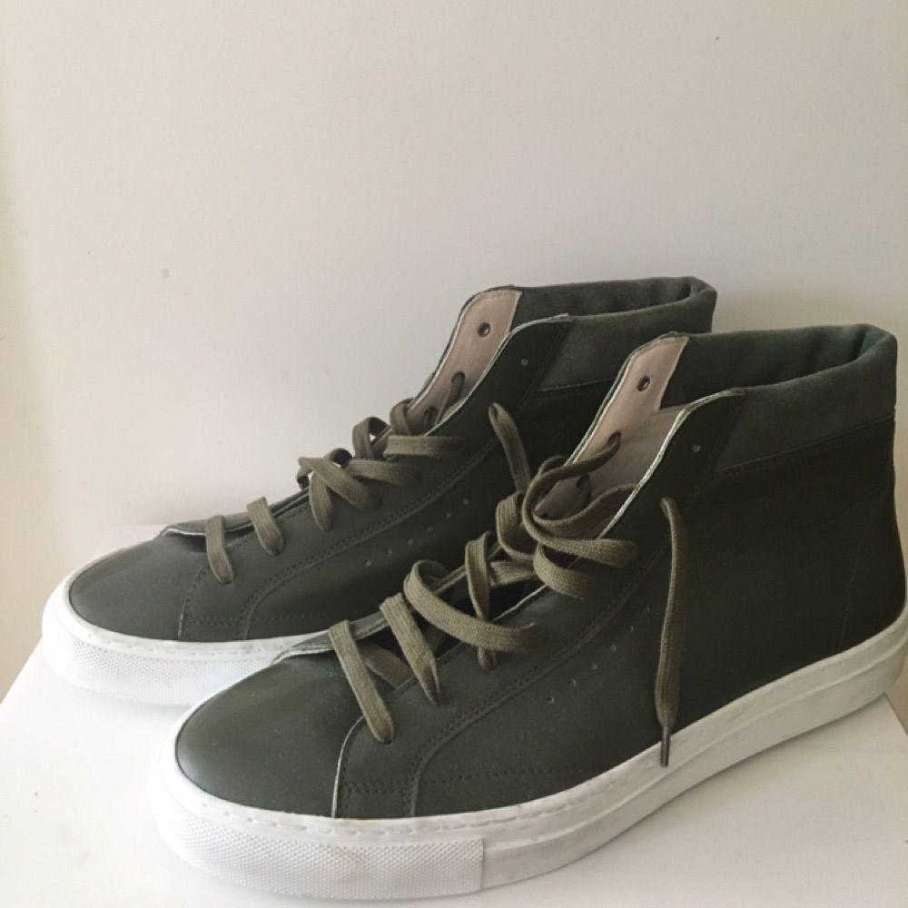 5b32abe6cfc Nya oanvända skor (sneakers) från Filippa K i stl 44. I skinn.