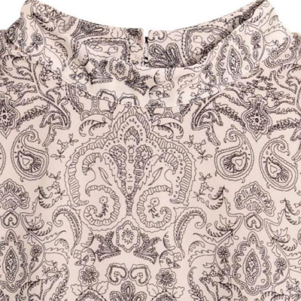 ... Paisley-mönstrad volangklänning med trumpetärm i polyester. Strl 40 men  passar även en 36 1bb4babd42892