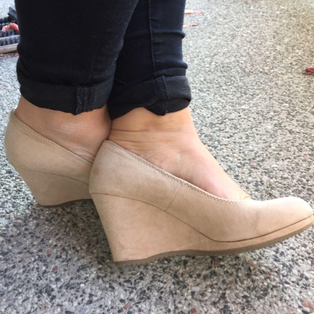 högklackade skor för breda fötter
