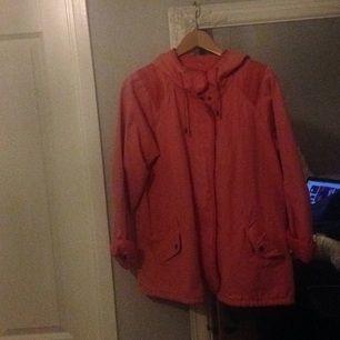 Säljer en riktigt cool jacka ifrån Bikbok, med märket