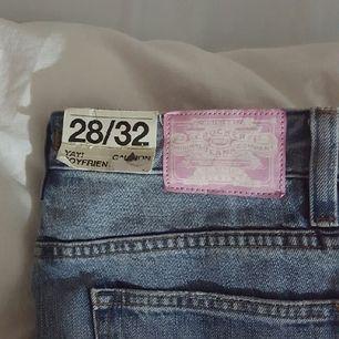 Säljer ett par oanvända Crocker jeans