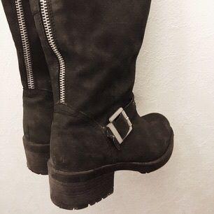 Höga Boots från DIN SKO, nypris 1100kr säljer dom för 400, använda ca 10 gånger