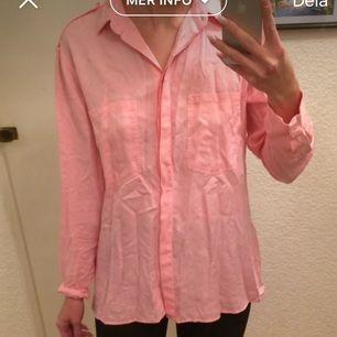 Rosa bomullsskjorta. Superskönt tyg, aldrig använd.