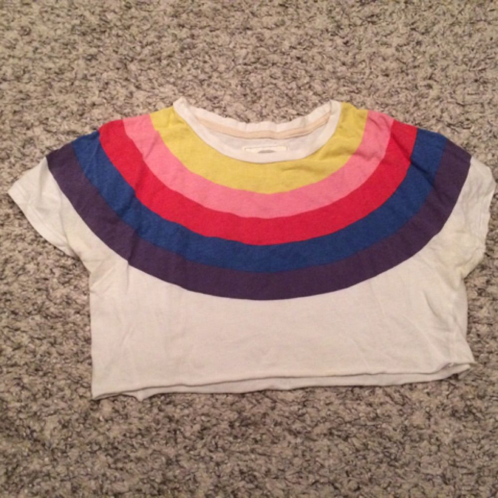 Celebrate pride in this rainbow croptop from wrangler. rainbow #croptop #cropped #tshirt #wrangler #pride . Toppar.