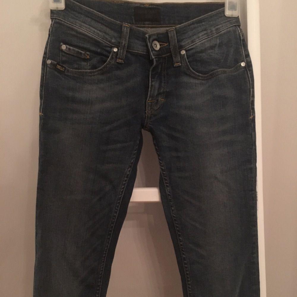 Jeans från Tiger of Sweden. Låg midja. Endast provade. Nypris ca 1500kr. 3d0a3e88120d5