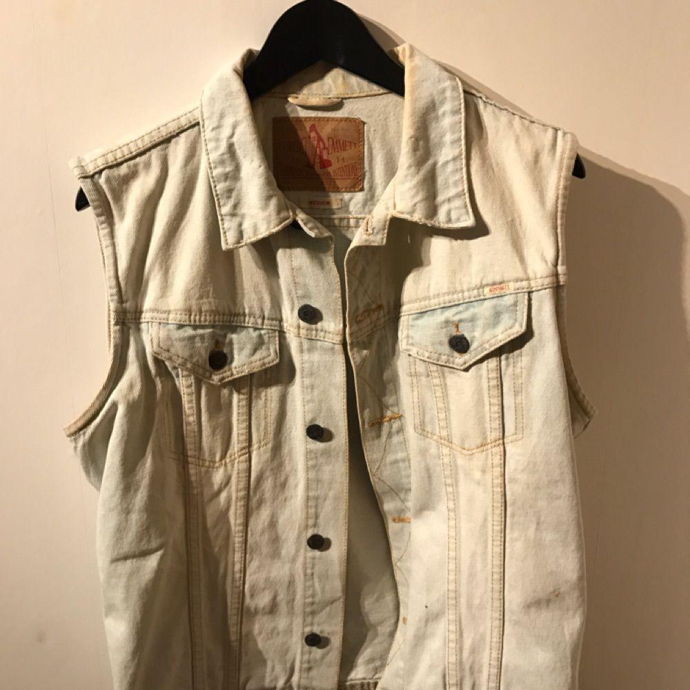 Säljer jeansväst från Carlings 🎆. Jeans & Byxor.