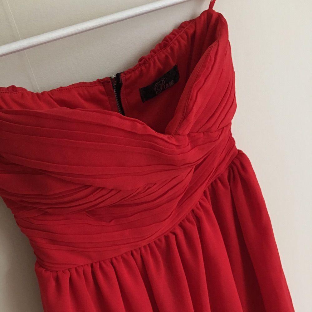 c8b8f6bb7e21 Röd klänning köpt från Nelly, bra skick! Står storlek 8 vilket ska motsvara  en ...