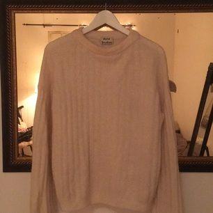 Stickad tröja från Acne. Strl XS