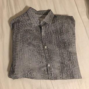 Snygg skjorta från emilio Aldrig använd