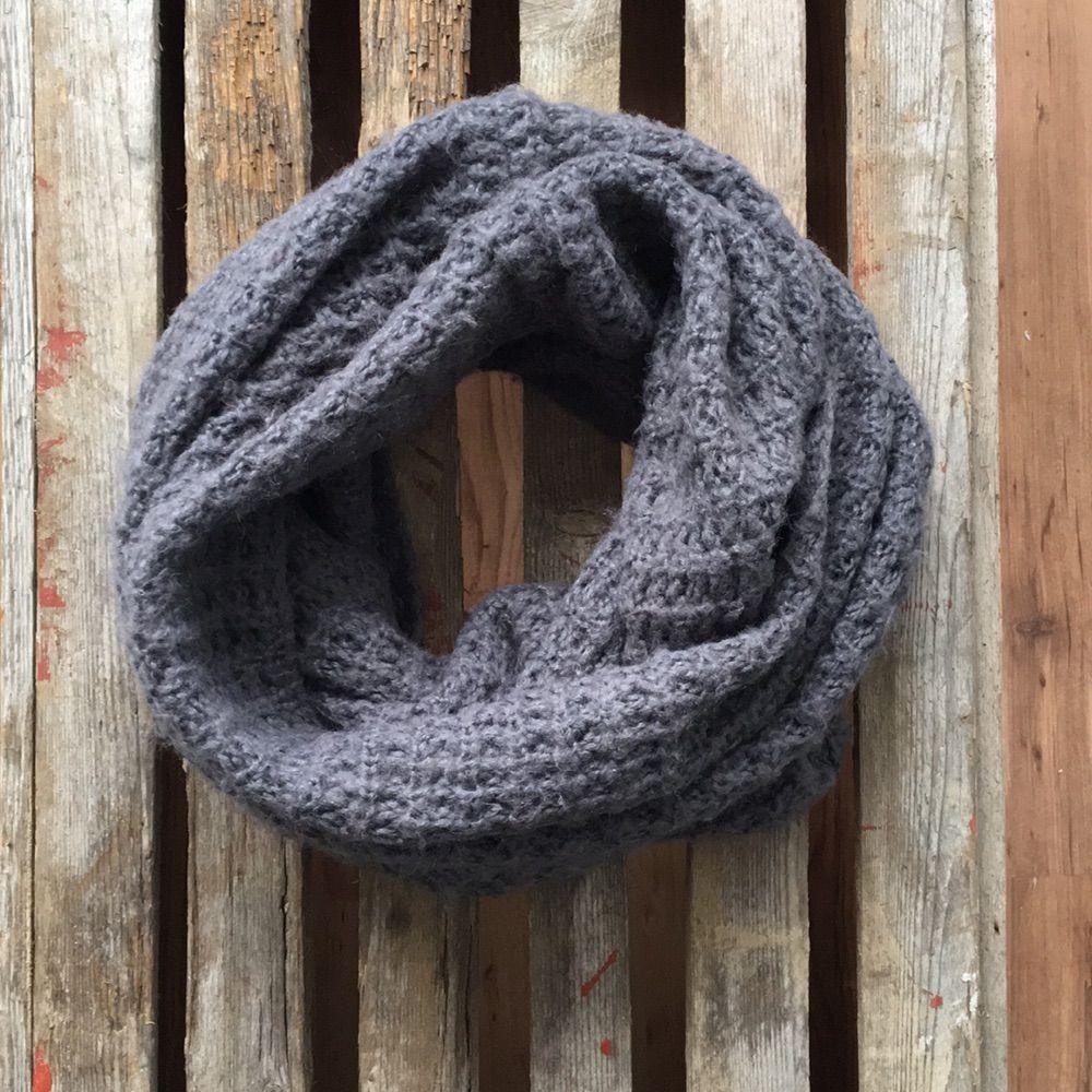 En stickad brun grå omlott halsduk från gina tricot!. Accessoarer. afcaacfd74fdf