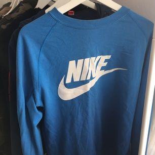 Nike tröja. Sparsamt använd!