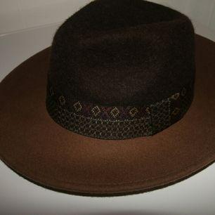 oanvänt hatt från Asos
