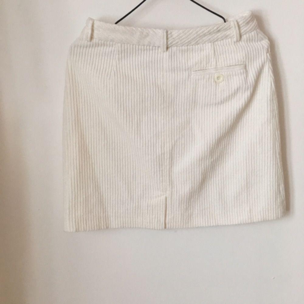 1302d8011ae6 Manchester kjol från Hm Märkt 34 men sitter som en 36a. Kjolar.