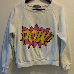 Underbart mysig tröja köpt på loppis. Sparsamt använd och säljs då den inte används så mycket som den förtjänar. Den har en liten
