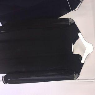 Klänning från Zara. Oanvänd.