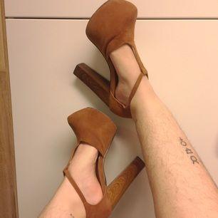 Höga fake mocka skor med