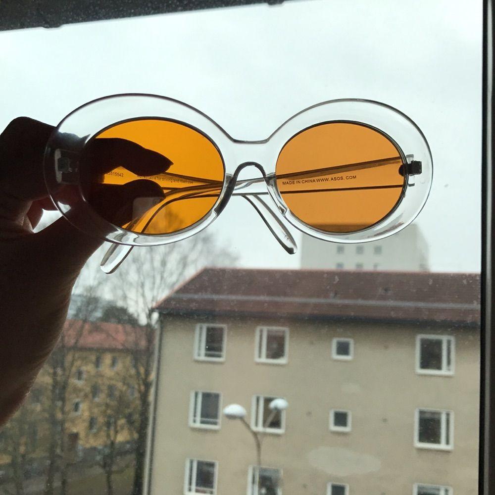 Helt oanvända solglasögon med orange - Accessoarer - Second Hand 5a9db1674abcc