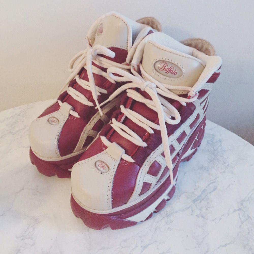 sports shoes a233f 6f573 Original Buffalo flache Schuhe in retro rot / weiße Farbe